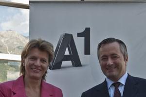 hristine Oppitz-Plörer, Bürgermeisterin von Innsbruck, und Hannes Ametsreiter, Generaldirektor A1 und Telekom Austria Group