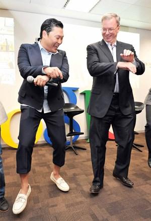 """""""Gangnam Style"""" begeistert anscheinend auch Googles Eric Schmidt"""