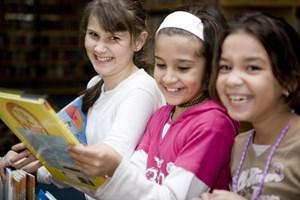 Bis zu 25 Kinder besuchen die Vorlesestunden in die Wiener Büchereien.