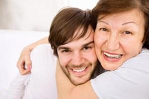Der Anteil der über 30-Jährigen, die noch bei den Eltern leben, steigt seit drei Jahrzehnten.