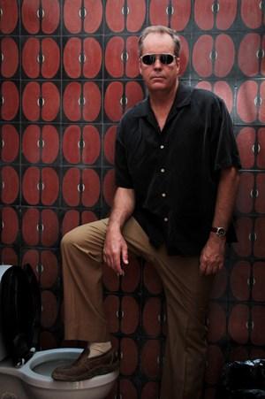 Immer am Rande eines Schlamassels - oder mittendrin: Dan Stuart. Von dort bezieht der US-Songwriter seine Inspiration. Nun hat er ein neues Album veröffentlicht, diesen Samstag spielt er im Wiener Chelsea.