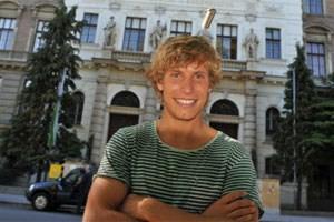 Studienanfänger Jakob Balassa (20) vor der Uni für Bodenkultur in Wien, wo er im Oktober sein Studium begonnen hat.