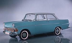 Der Opel Rekord P2, hier als zweitürige Limousine. Auch lieb anzusehen.