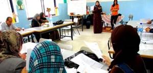 Foto: 6.000 Lehrer und Lehrerinnen werden in zweitägigen Schulungen zu Wahlhelfern ausgebildet