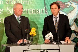 Wieder den Sparstift angesetzt: Franz Voves (rechts) und Hermann Schützenhöfer.
