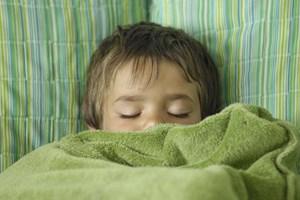 Abtauchen ins Land der Träume. Das Thema Kinderschlaf polarisiert.