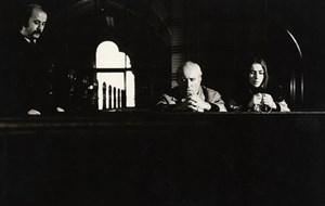 """Widerstand, der schon  an der  elementaren Ausrüstung scheitert: eine Szene aus Antonis Lepeniotis' dystopischem Drama """"Das Manifest""""."""
