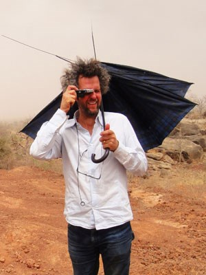 Christoph Schlingensief in Afrika.