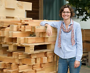 Julia Denzler entwickelt Software zum Sägen.