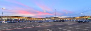 """4.000 Park- und 1.600 Arbeitsplätze: Das Shopping Center liegt beim """"Knoten Eibesbrunn"""" und damit genau an der Schnittstelle von A5, S1 und B7."""