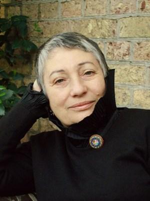 Wider die Verklärung des Stalinismus und der Sowjetunion: die große Romanautorin Ljudmila Ulitzkaja.