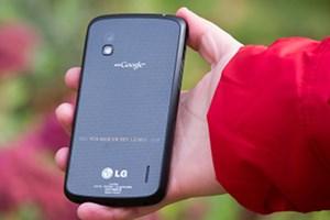 Die Blogger von tech.onliner.by haben das Nexus 4 bereits in die Hände bekommen - und aus wirklich allen Winkeln beleuchtet.