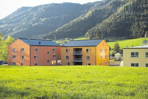 Die Senioren bleiben im Ortskern integriert, die Häuser des Seniorenzentrums sind daher auch optisch bewusst der Architektur der Umgebung angepasst.
