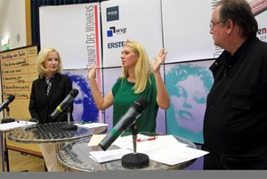 ÖVP-Seniorensprecherin Gertrude  Aubauer (li.) und SPÖ-Sprecherin für die Kreativwirtschaft Elisabeth  Hakel beim Symposium.