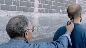 Eine Vergegenwärtigung von Taten, die verjährt sind: Filmemacher Damien Onouri (re.) und sein Großonkel El Hadi.