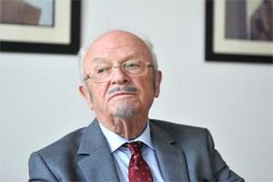 """Heinz Düx, pensionierter Jurist in Unruhe, über seine Außenseiterposition im Auschwitz-Prozess: """"Ich bin nicht auf der bürgerlichen Welle mitgeschwommen. Das hat meine Position geschwächt."""""""
