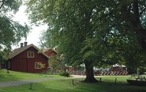 Sundsby Säteri (Herrenhof Sundsby) - ein Stopp für einen Fika geht sich immer aus.