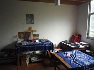 Altar in einem tibetischen Haus.