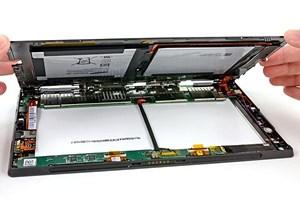 Ein Blick ins Innere des Microsoft Surface.