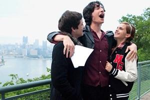 Gemeinsam Mauerblümchen-Sein macht mehr Spaß: Logan Lerman, Ezra Miller und Emma Watson (v. li.) als Jugendfreunde.