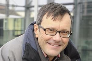 """Der Schweizer Autor Leo Tuor stellt seinen Roman """"Settembrini. Leben und Meinungen"""" vor."""