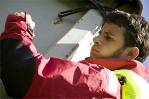 Vibrationen am Nacken und ein Display am Ärmel: So sieht der Prototyp für die Kommunikations-Jacke aus