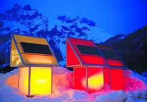 Symbol der sanften Mobilität: die Lichtsäulen der Solartankstelle im Salzburger Werfenweng.