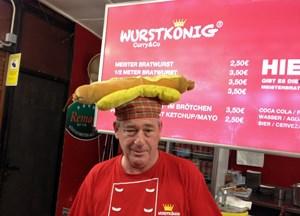 Echte deutsche Würste - auch bei der festen Nahrung fühlen sich die meisten Gäste heimisch.