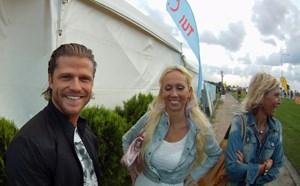 """Auch Paul Jahnke aus der Reality-Soap """"Der Bachelor"""" (mit Fans) nahm am Mallorca-Marathon teil."""