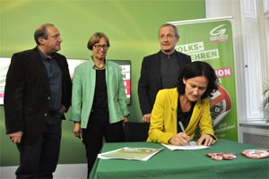 Die Grünen starten ein Volksbegehren gegen Korruption. Ziel sind 250.000 Unterschriften.