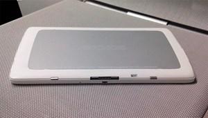 Kompakt: Tablet mit angelegter Tastatur.