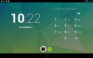 Nach dem Update am Nexus 7 funktioniert auch hier jetzt der Multi-User-Support. Über den Lock-Screen kann zwischen verschiedenen Accounts gewechselt werden.