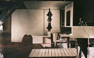 """""""Schöner Wohnen""""-Magazine und David-Hamilton-Fotos aus den 1970er-Jahren liefern die Kulissen für Anita Witeks verschachtelte Räume."""