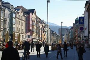 Schieben statt radeln, heißt es vielleicht schon bald auf einem Teilstück der Innsbrucker Maria-Theresien-Straße.