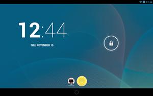 Der Lock Screen von Android 4.2 präsentiert sich nur grafisch leicht überarbeitet, hier kann jetzt auch zwischen mehreren NutzerInnen gewechselt werden.