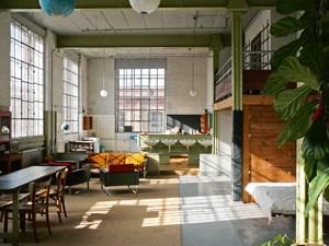 """Im """"Meisterzimmer"""" ist Industriecharme mit DDR-Schmäh zu Hause."""