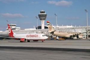 Air-Berlin-Partner Etihad macht offenbar Druck. Der Sparkurs der deutschen Airline wird weiter verschärft. Das trifft auch Wien.