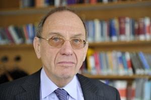 """""""Wir sind schon eine stark autoritätsgläubige Gesellschaft geblieben"""": Bernd-Christian Funk"""