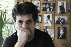 """Sondiert Möglichkeiten, eine Zwangslage zu durchbrechen: Jafar Panahi in """"In film nist / This is not a film""""."""