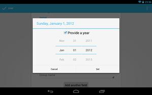 """Bei Android 4.2 scheint es Google etwas gar eilig gehabt zu haben, so sind im Test zahlreiche kleinere und größere Probleme unübersehbar, wie der fehlende Monat Dezember in der """"People""""-App."""