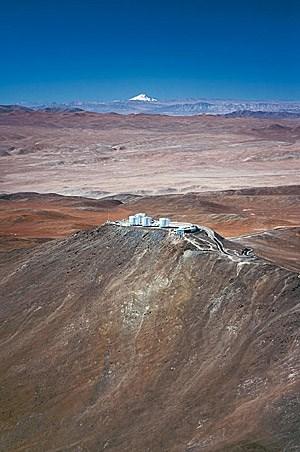 """Panoramablick auf den Cerro Paranal: Eine """"Kathedrale der Wissenschaft""""."""