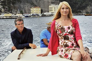 Italienische Ferienstimmung weckt romantische Gefühle: Pierce Brosnan und Trine Dyrholm.