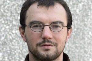 """Der polnische Schriftsteller Daniel Odija ist dabei, wenn """"Literatur und Kritik"""" feiert."""