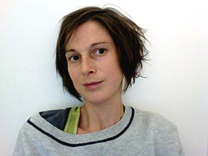 """Theresa Schütz hat sich im Rahmen der Publikation """"Perspektive Erdgeschoß"""" mit leerstehenden Erdgeschoßen auseinandergesetzt."""