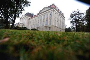 Das Horror-Heim Wilhelminenberg ist Geschichte. Die Fremdunterbringung bleibt aber Thema.