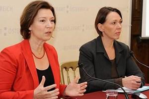 Frauenministerin Gabriele Heinisch-Hosek präsentierte am Mittwoch gemeinsam mit Studienautorin Christina Matzka den vierten Teil ihrer Frauenbarometer-Umfrage.