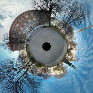 """Aus solchen Photo-Sphere-Aufnahmen lassen sich auch nette """"Tiny World""""_Bilder erstellen."""