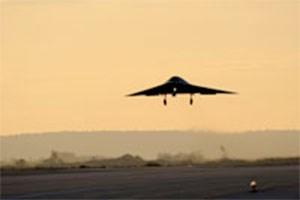"""Sieben-Tonnen-Drohne auf dem Radar """"so groß wie ein Spatz""""."""