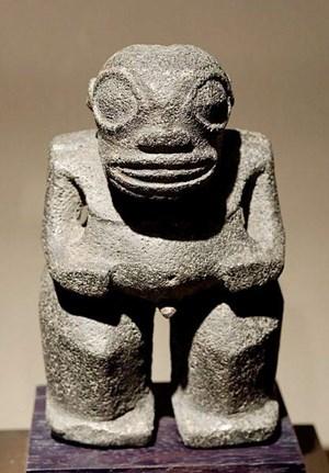 Die Bewohner von Nuku Hiva sehen in den rätselhaften Steinfiguren keine Außerirdischen, sondern einfach nur eine Ahnengalerie.