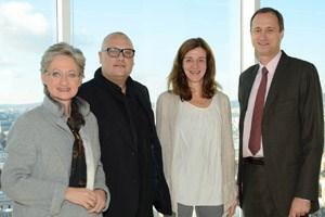 Das Unit-F-Team, Andreas Oberkanins und Ulrike Tschabitzer-Handler (im Bild mit Ministerin Schmied und Kulturstadtrat Mailath-Pokorny), hört auf.